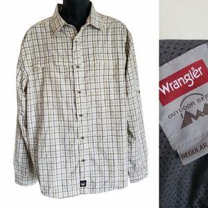 Wrangler Outdoors Regular Fit Plaid Button Up